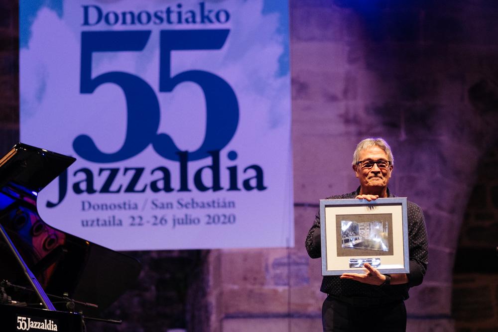 Chano Domínguez, anoche, premiado por el Festival de Jazz. Fotos: Santiago Farizano
