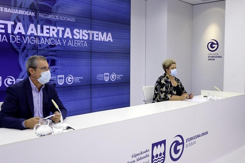 Markel Olano y Maite Peña presentan el Sistema de Vigilancia y Alerta ante el Covid-19. Foto: Diputación