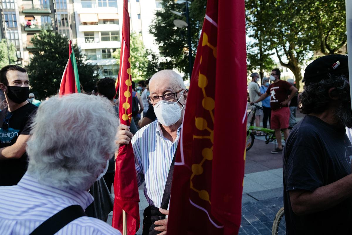 DSCF8466 - Nutrida manifestación contra la monarquía en Donostia