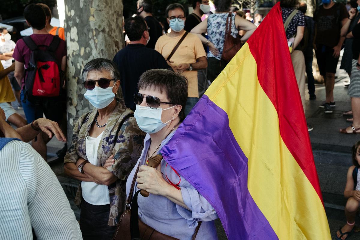 DSCF8484 - Nutrida manifestación contra la monarquía en Donostia