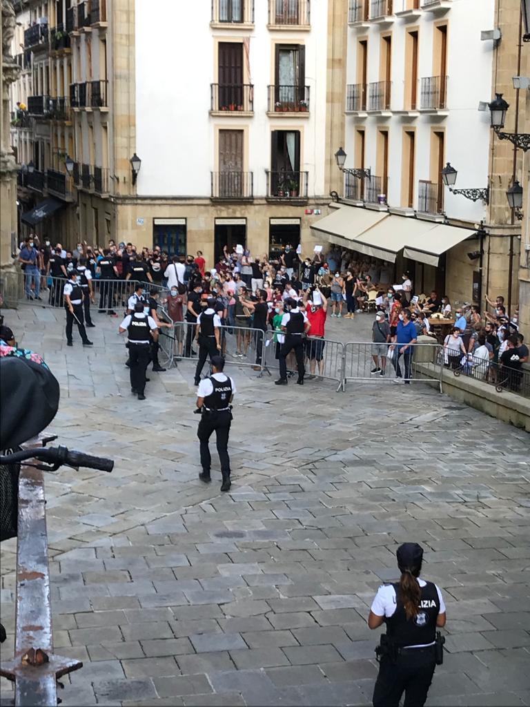 Altercados el viernes con motivo de la Salve en la Basílica de Santa María. Foto: Javi Alonso