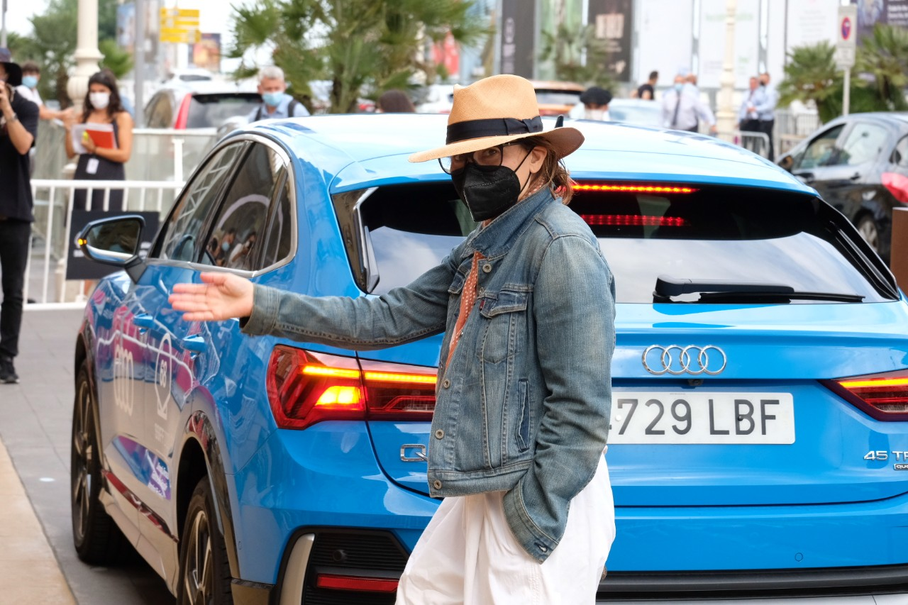 Gina Gershon a su llegada a Donostia. Foto: Santiago Farizano