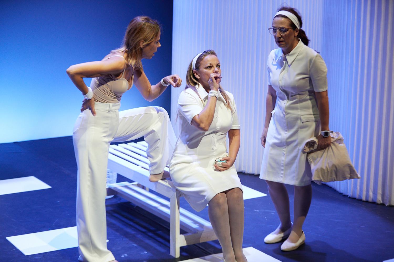 Obra de teatro 'Cuidados intensivos'. Imagen: Donostia Kultura.