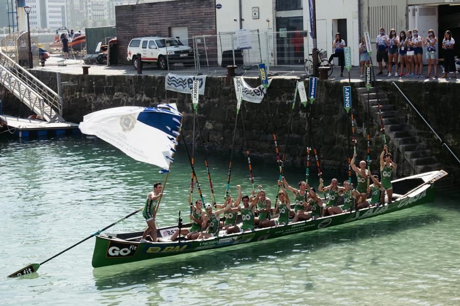 DSCF1895 Bandera de la Concha: Triunfo de la tripulación masculina de Hondarribia y la femenina de Orio