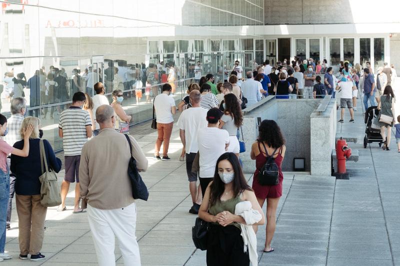 DSCF5365 - Bar Gaztelumendi de Irun: Cientos de personas acuden a Ficoba a hacerse la PCR