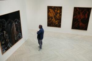 DSCF6623 300x200 - Kubo-Kutxa: 128 obras para sumergirse en la obra del pintor donostiarra Goenaga