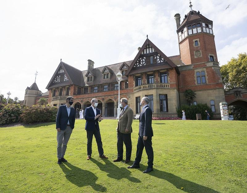 Responsables institucionales en el Palacio Miramar. Foto: Ayto.