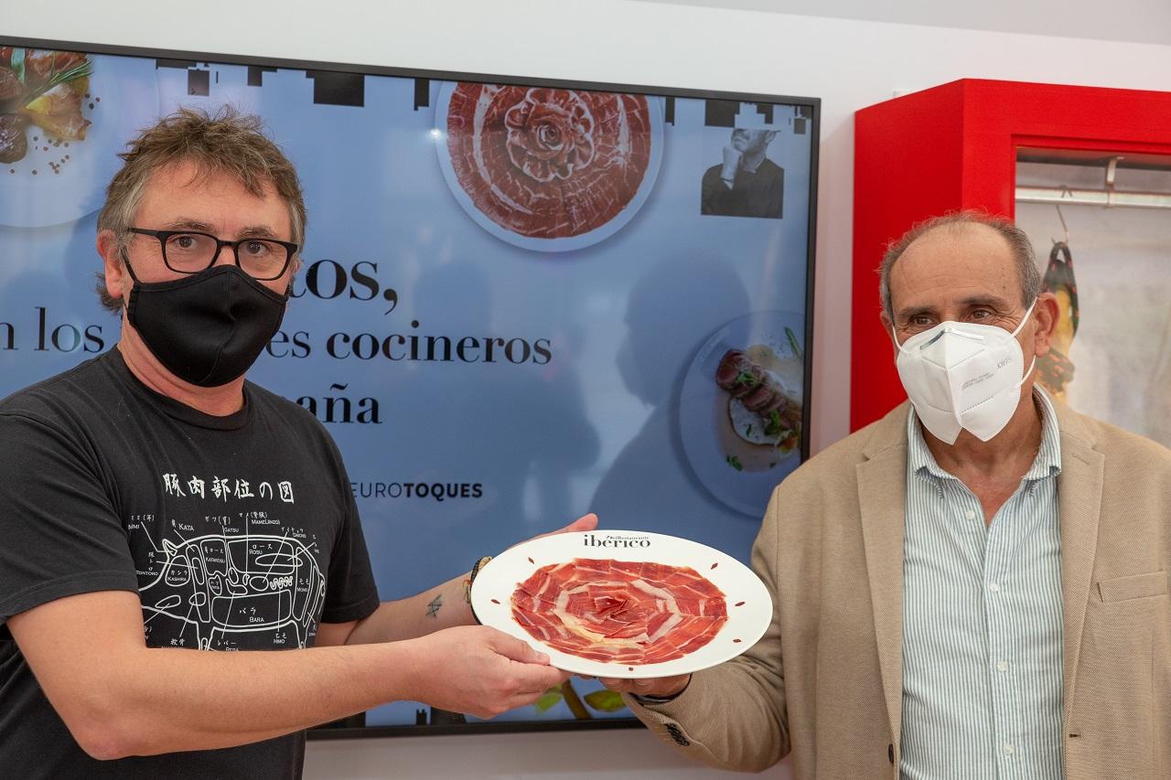 Andoni Aduriz, presidente de Euro-Toques, y Antonio Prieto, presidente de ASICI. Fotos: Alberto Rincón