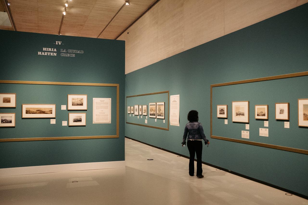 DSCF3911 - 'Al abrigo de Urgull': grabados y piezas que reflejan el desarrollo de la ciudad junto al monte