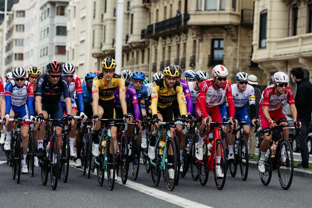 DSCF4324 - La etapa gipuzkoana de La Vuelta atraviesa Donostia