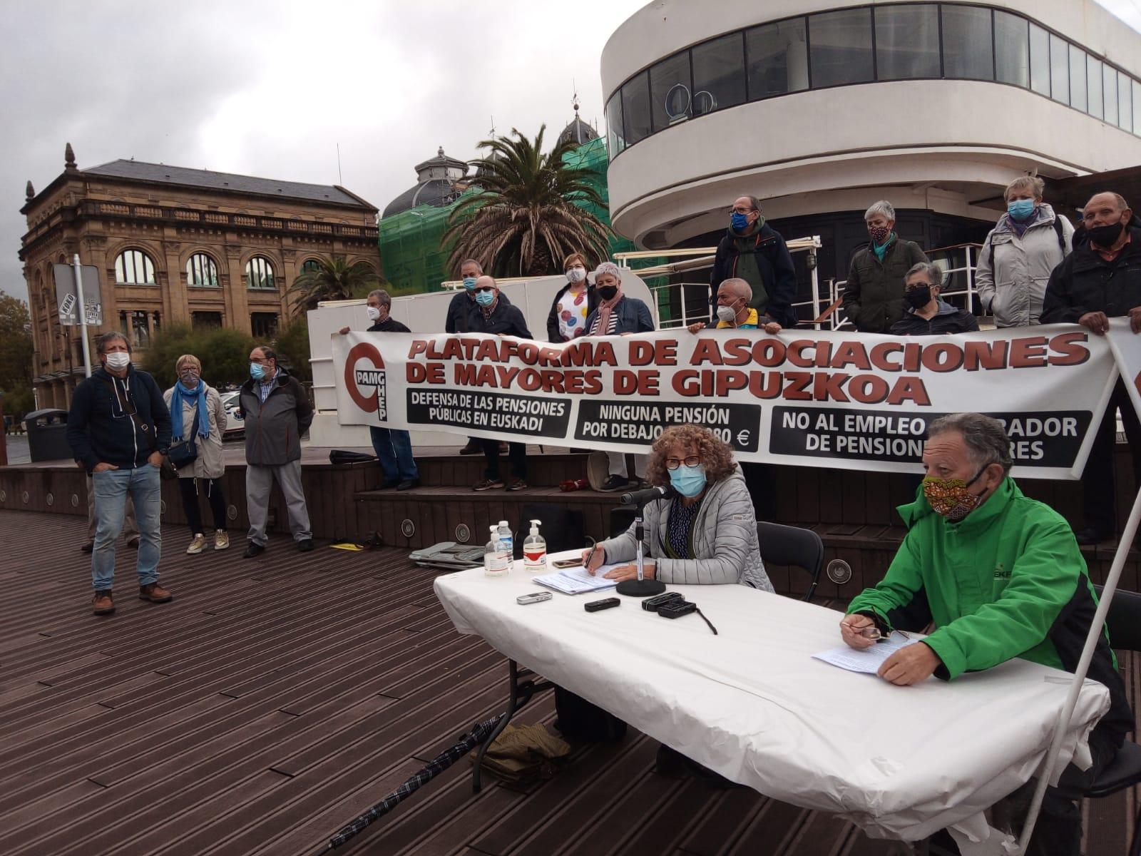 IMG 20201001 WA0008 - Los mayores gipuzkoanos celebran su día en pie de guerra