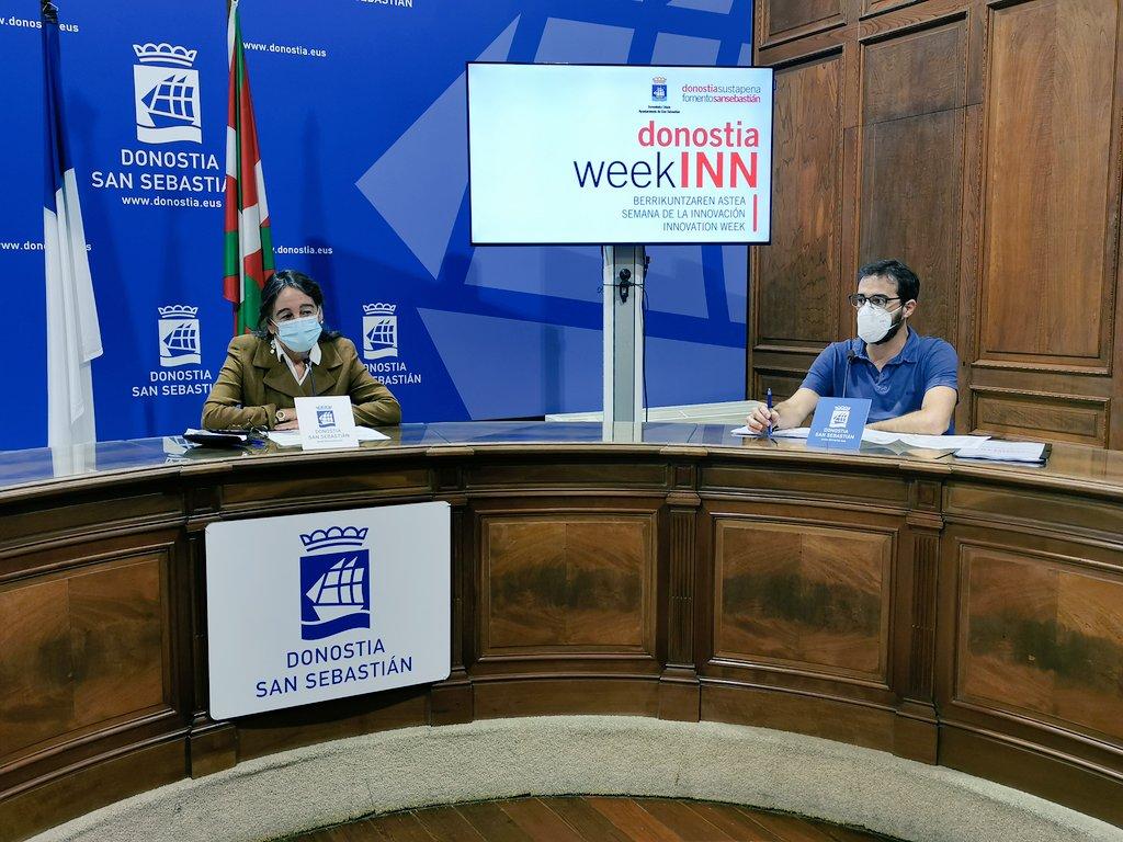 La concejala Marisol Garmendia e Iñigo Olaizola, responsable de Innovación y Competitividad de Fomento de San Sebastián. Foto: Fomento