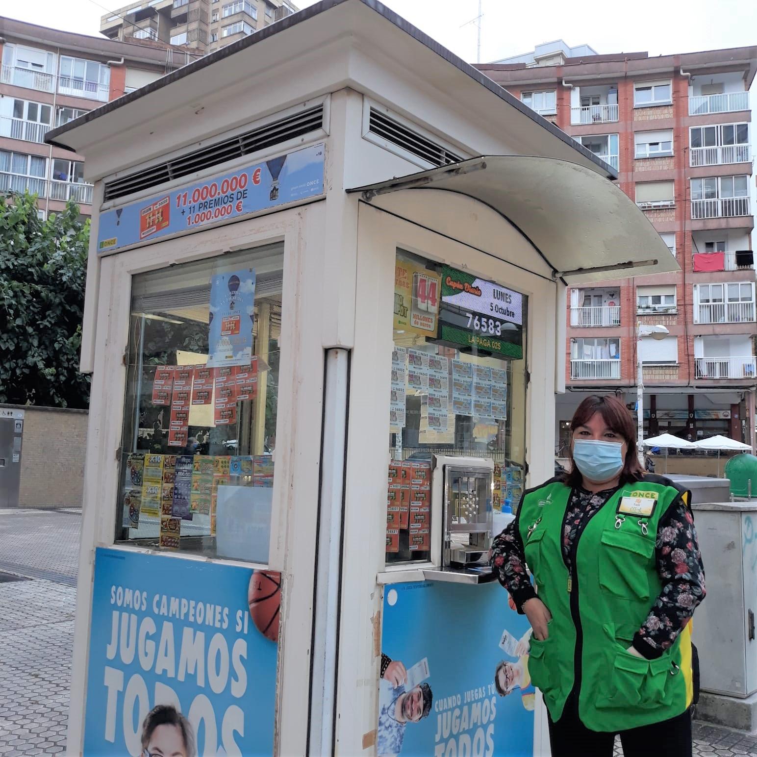 Antonia Canseco, la vendedora que ha repartido la suerte en Larratxo. Foto: ONCE