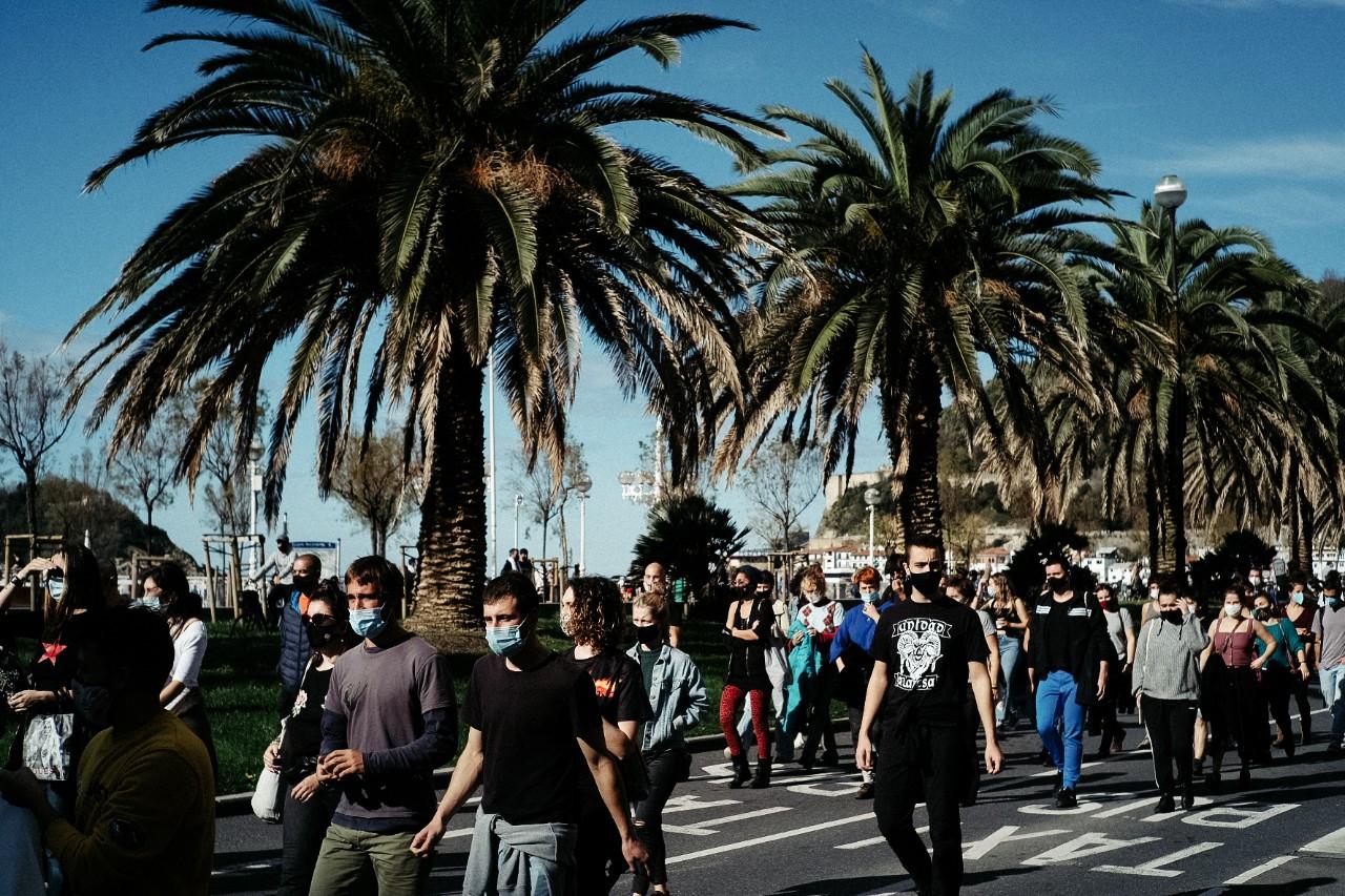 Manifestación en favor de los desalojados del Infierno este domingo. Foto: Santiago Farizano