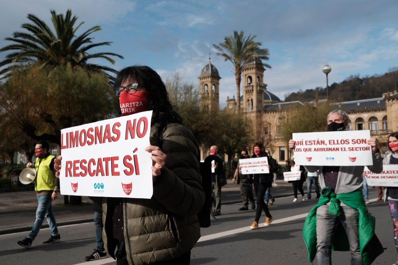 """2020 1127 12103000 copy 1280x853 - La hostelería clama en Donostia: """"Limosnas no, rescate sí"""""""