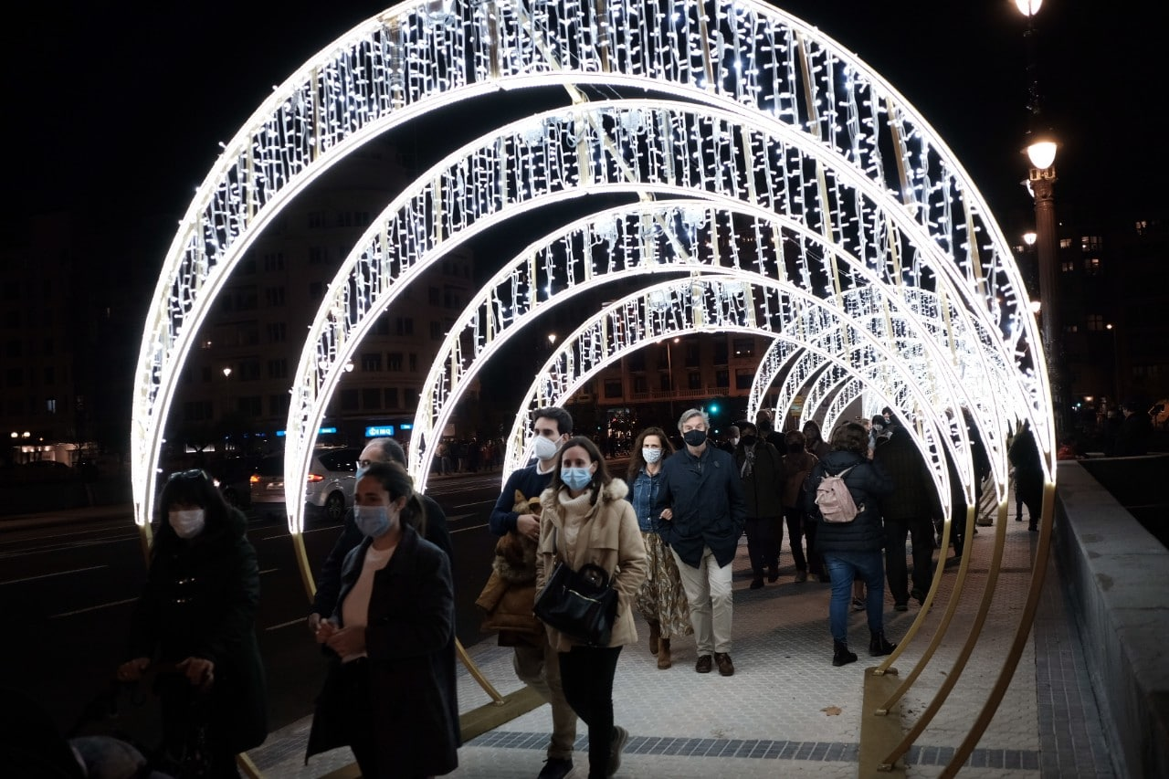 2020 1127 18204100 copy 1280x853 - Donostia se ilumina en su Navidad menos alegre