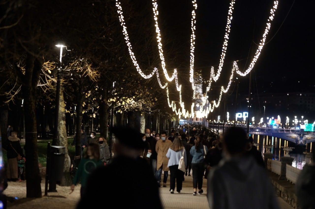 2020 1127 18272900 copy 1280x853 - Donostia se ilumina en su Navidad menos alegre