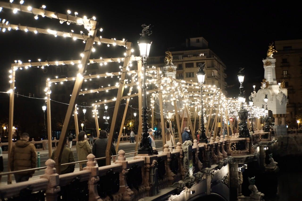 2020 1127 18351900 copy 1280x853 - Donostia se ilumina en su Navidad menos alegre