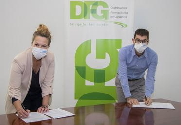 ARGAZKIA: Alicia Bouzas, Wolfratex-eko zuzendari komertziala; eta Juan Piera