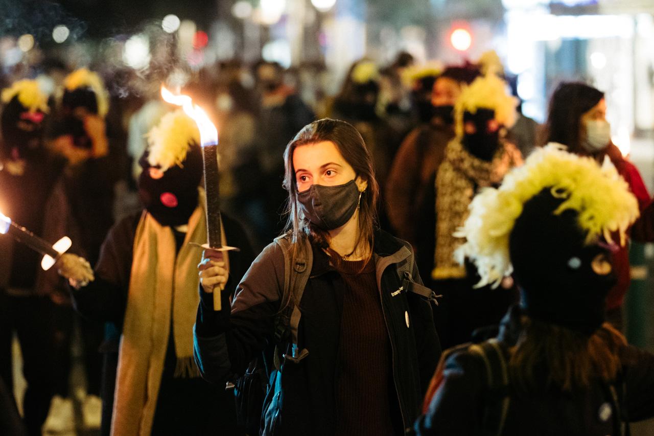 DSCF0873 - 25N: Nutrida manifestación en Donostia contra la violencia machista