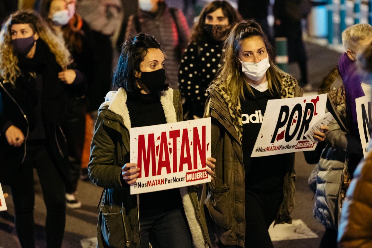 DSCF0885 - 25N: Nutrida manifestación en Donostia contra la violencia machista