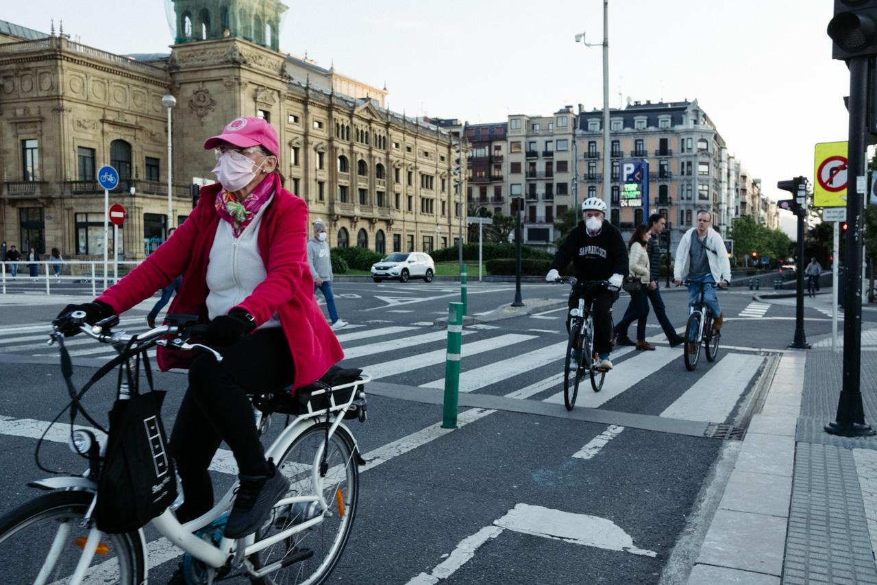 Los bidegorris y los aparcamientos para bicis, muy presentes entre las propuesta ciudadanas en Donostia. Foto: Santiago Farizano