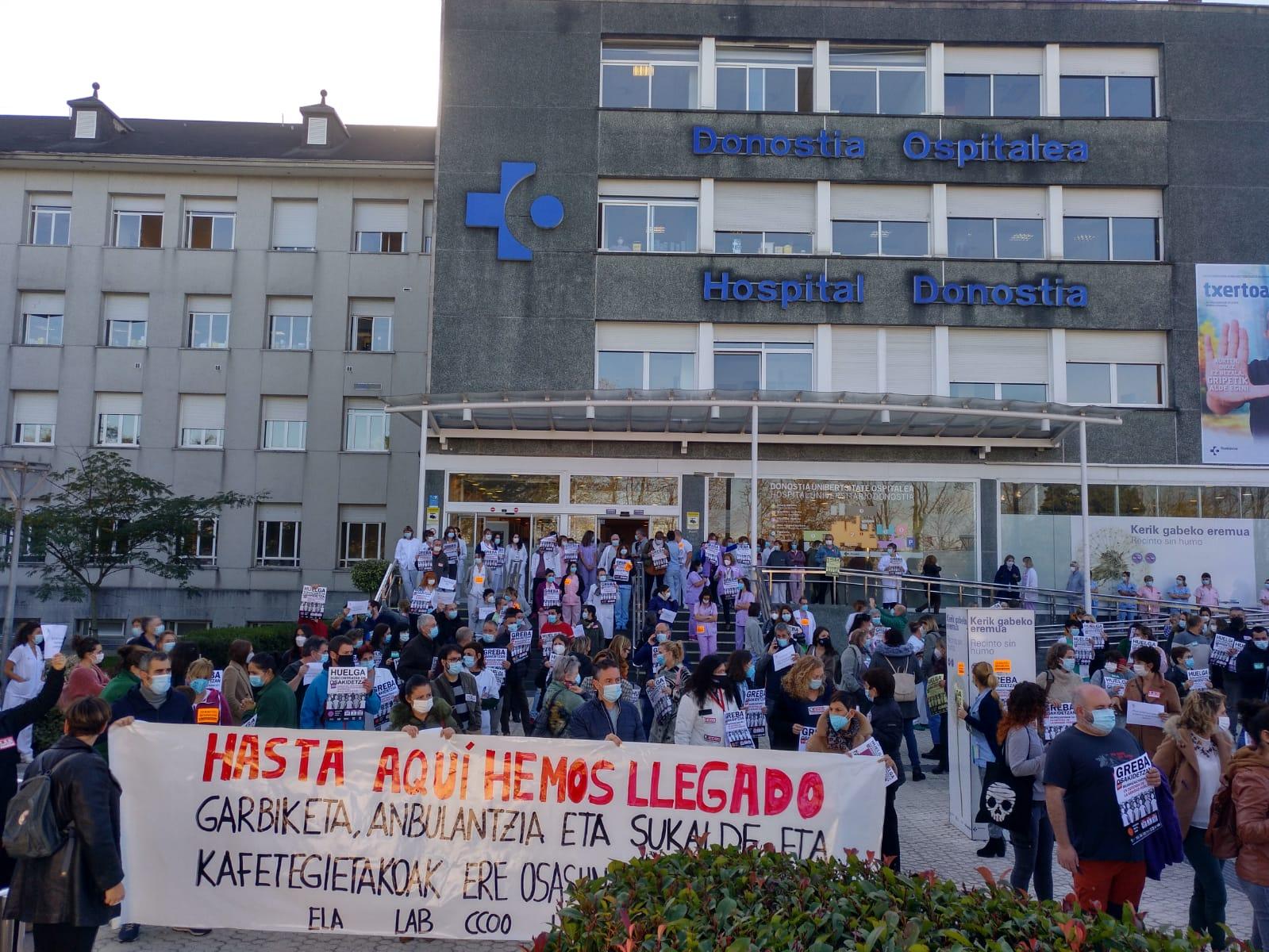 Hospital Donostia esta mañana. Foto: ELA sindikatua