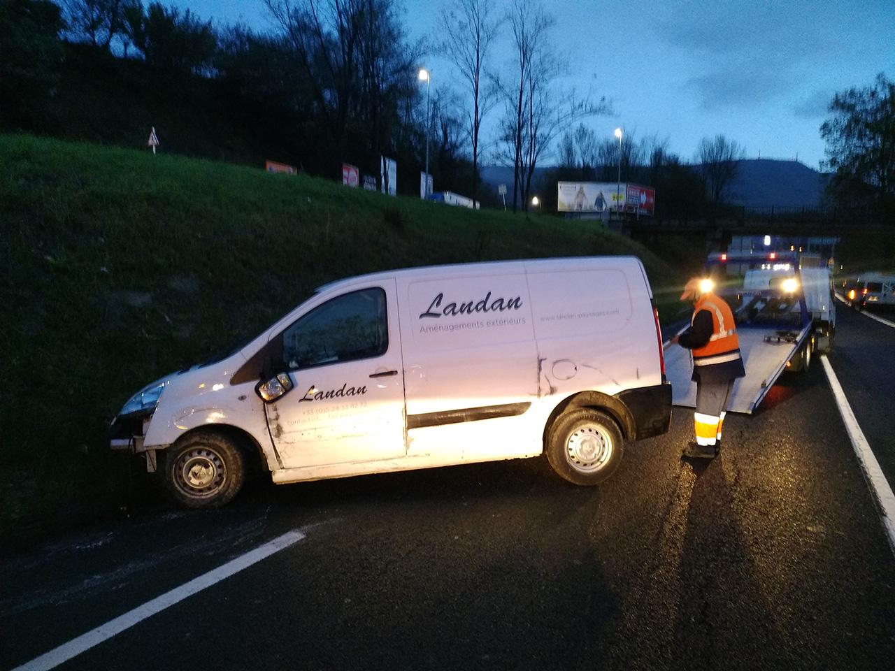 P01104 072824 - Salida de la calzada de un vehículo en la GI-636 (Oiartzun)
