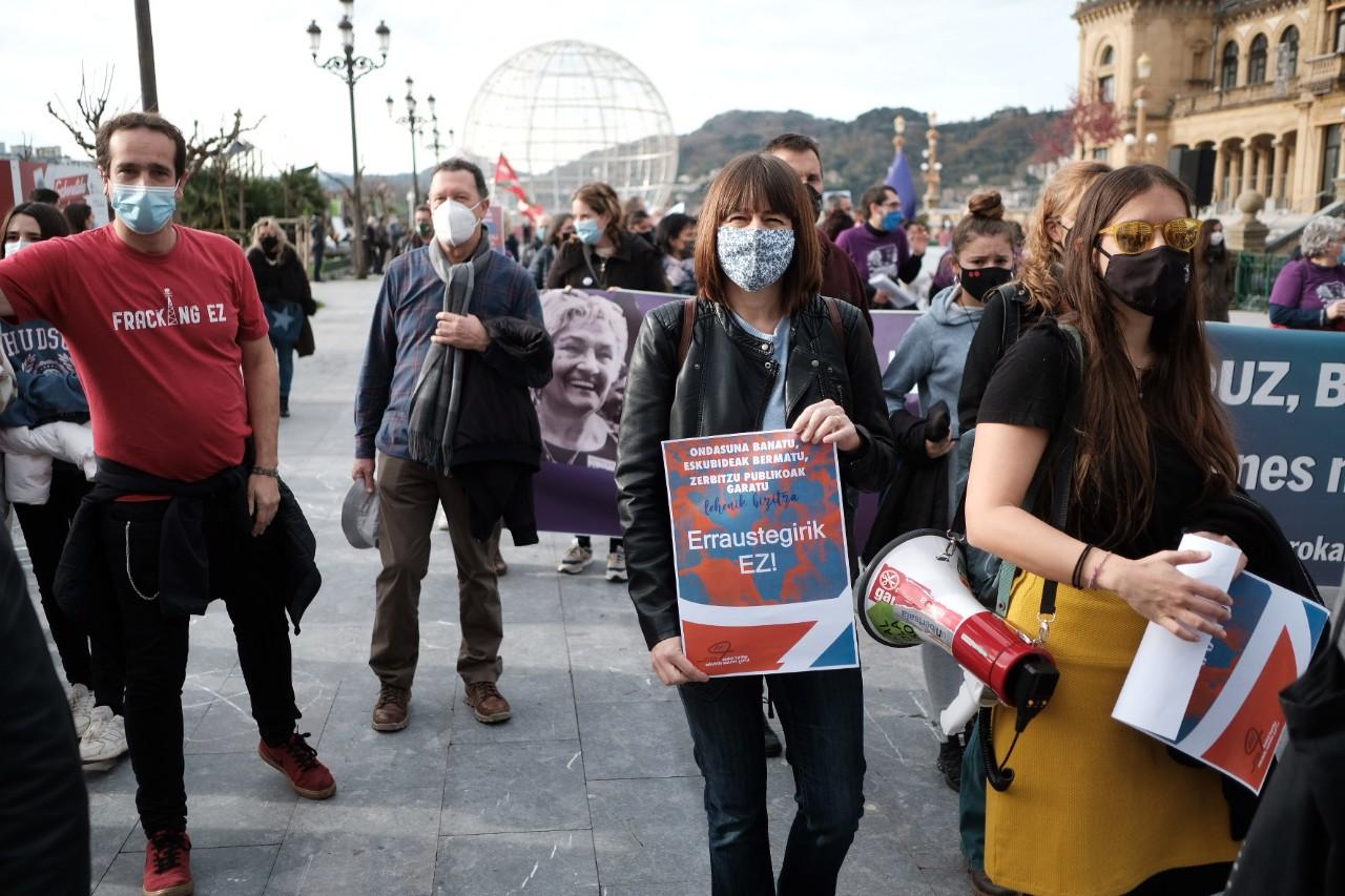 """2020 1213 12103400 copy 1280x853 - Manifestación en Donostia por """"unos presupuestos sociales y para todos"""""""