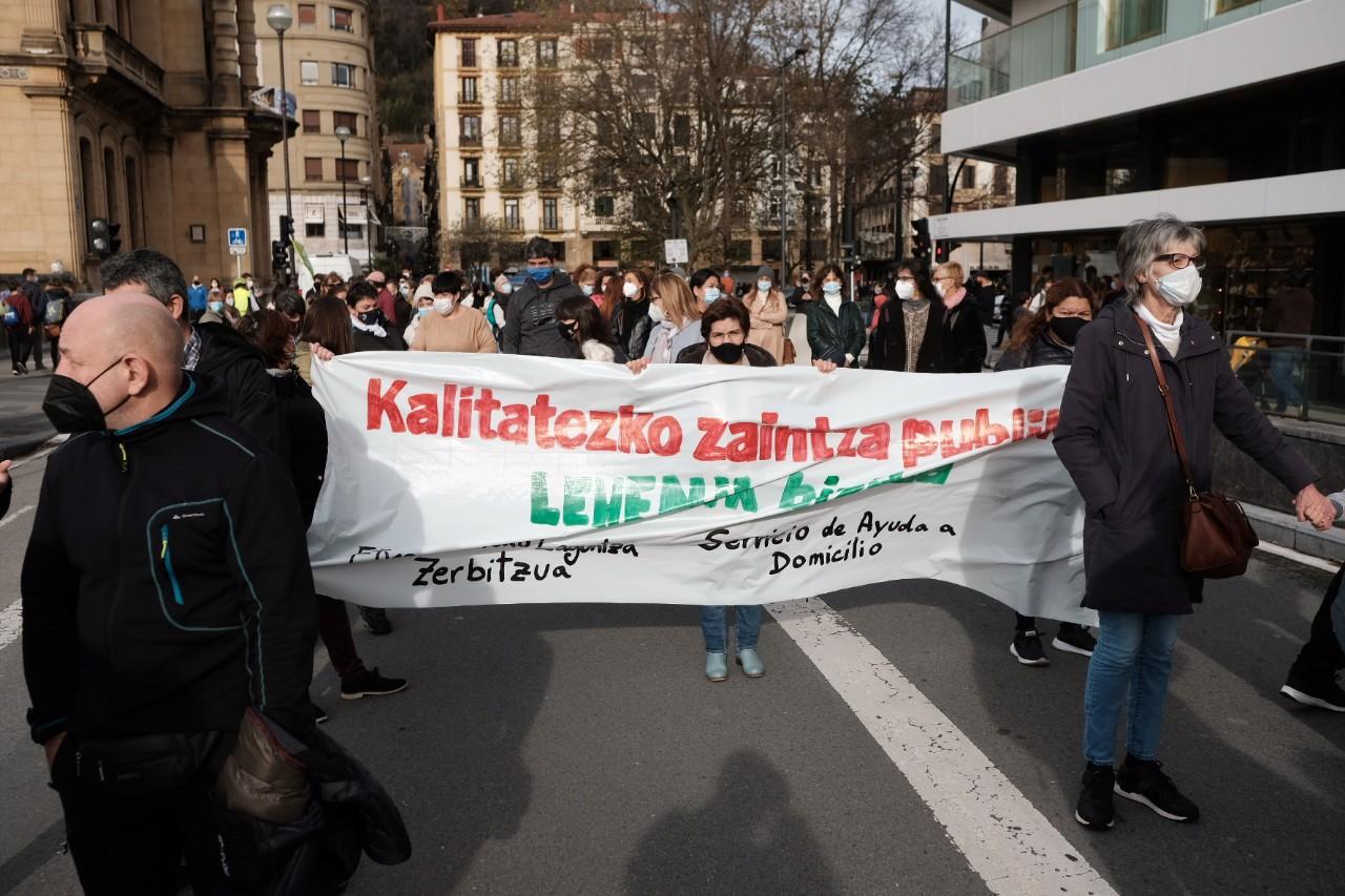 """2020 1213 12120200 copy 1280x853 - Manifestación en Donostia por """"unos presupuestos sociales y para todos"""""""