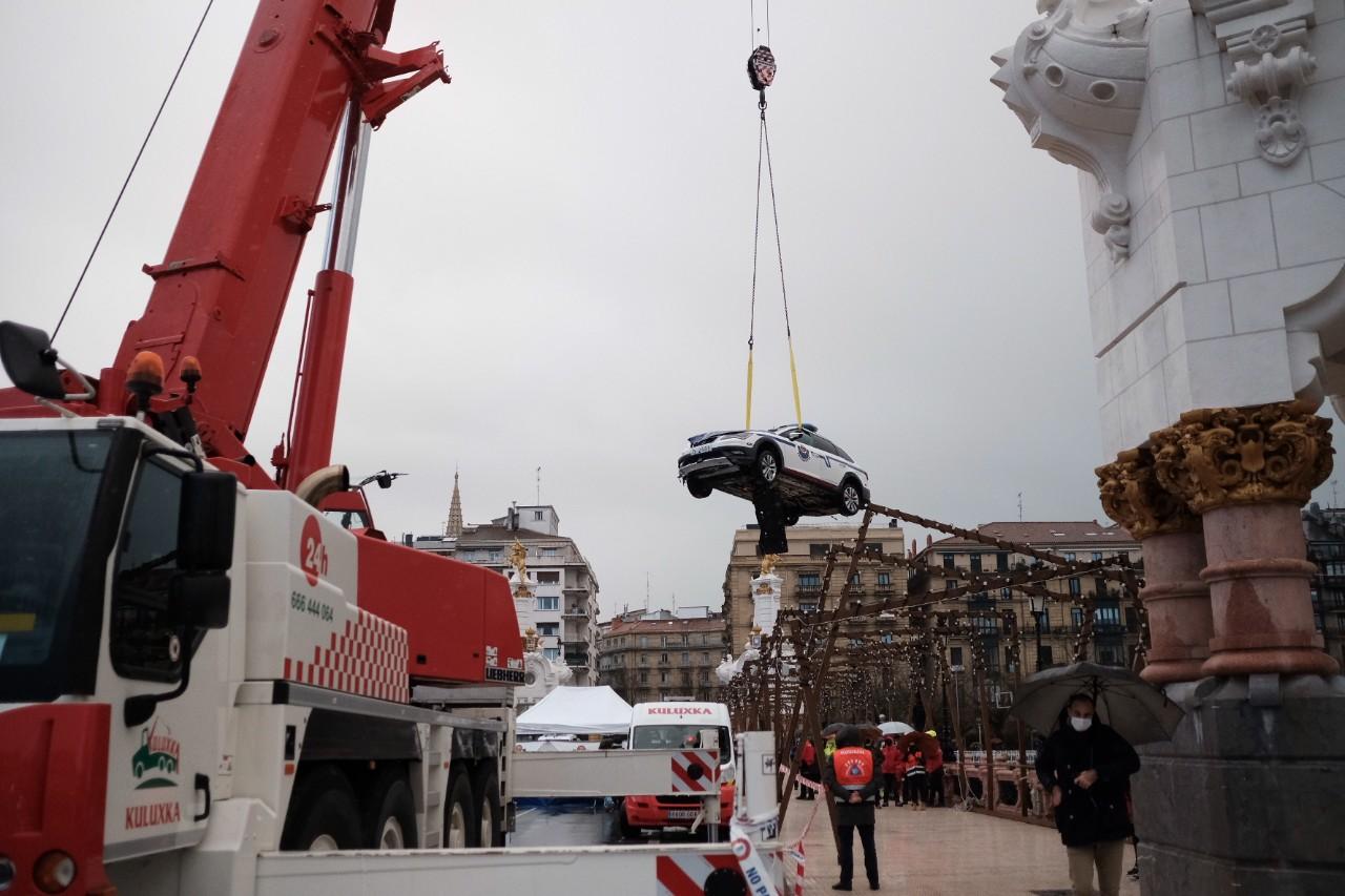 Rescatan el cadáver del ertzaina caído con su coche al Urumea