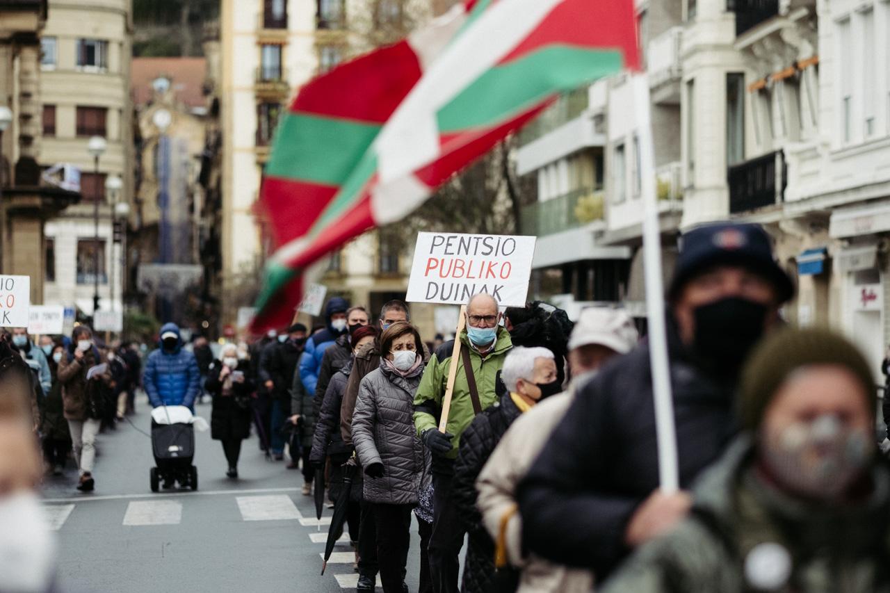 Manifestación pensionista esta mañana. Fotos: Santiago Farizano