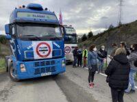 ADBA731C 80DE 4EE9 AE99 70A7C950754A Caravana de camiones contra el peaje de Deskarga