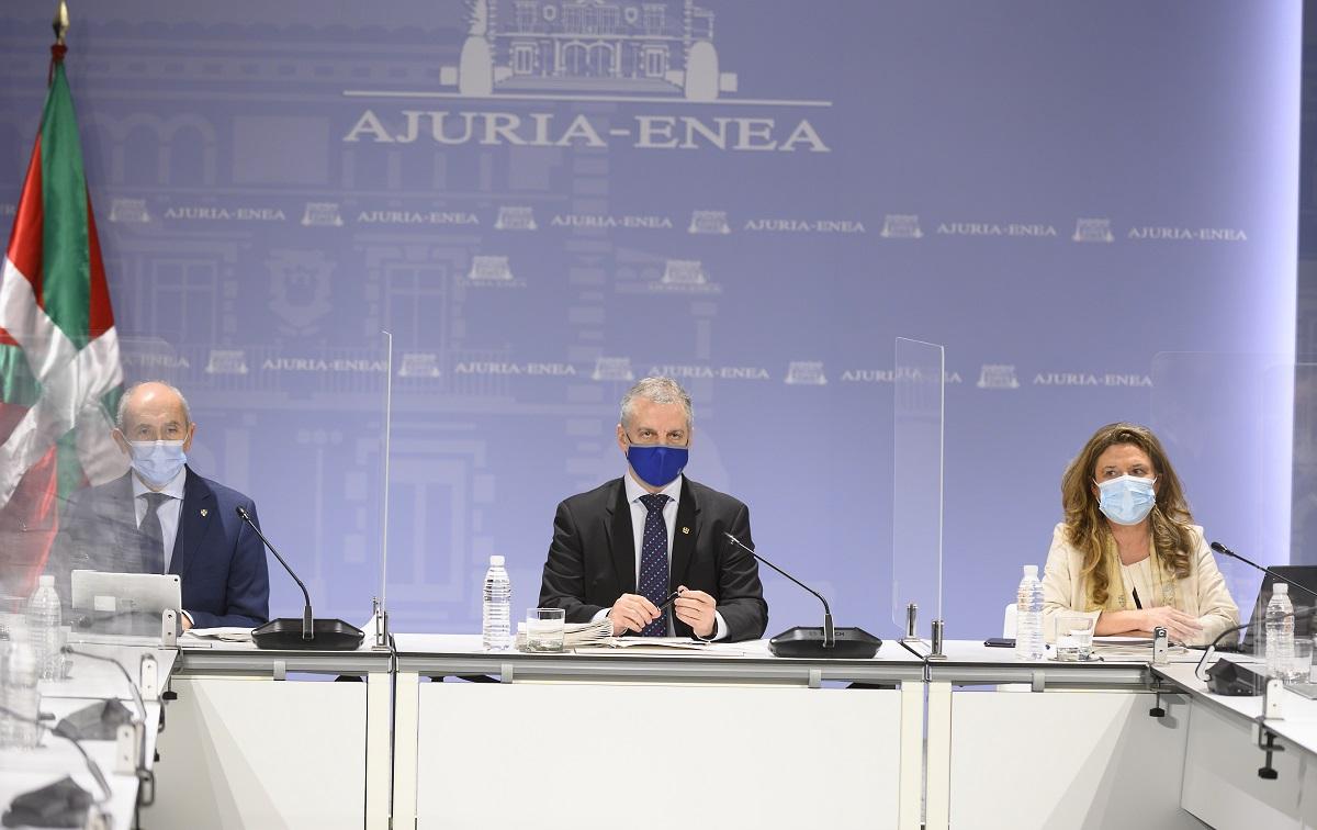 El Lehendakari con Erkoreka y Sagardui, hoy durante el encuentro del LABI. Foto: Gobierno vasco