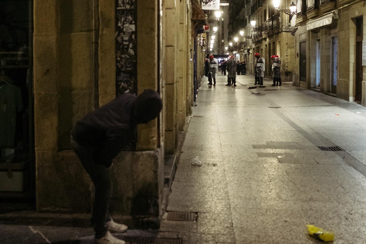 Incidentes el miércoles por la noche en la Parte Vieja. Foto: Santiago Farizano