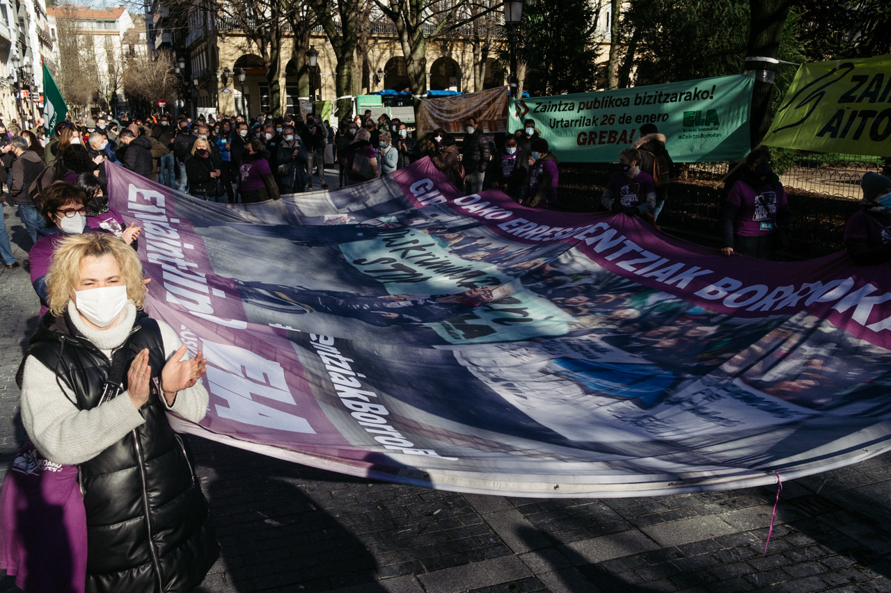 DSCF2143 - El sector de los cuidados pide mejores condiciones laborales en Euskadi