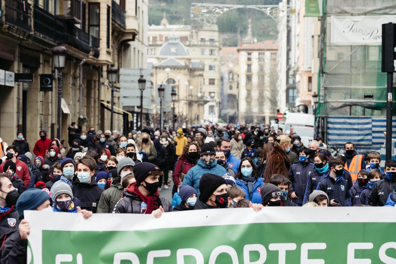 DSCF8359 - Manifestación en Donostia por la vuelta del deporte escolar