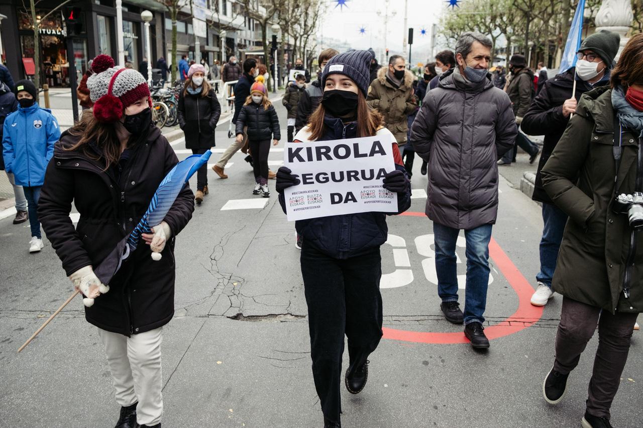 DSCF8386 - Manifestación en Donostia por la vuelta del deporte escolar