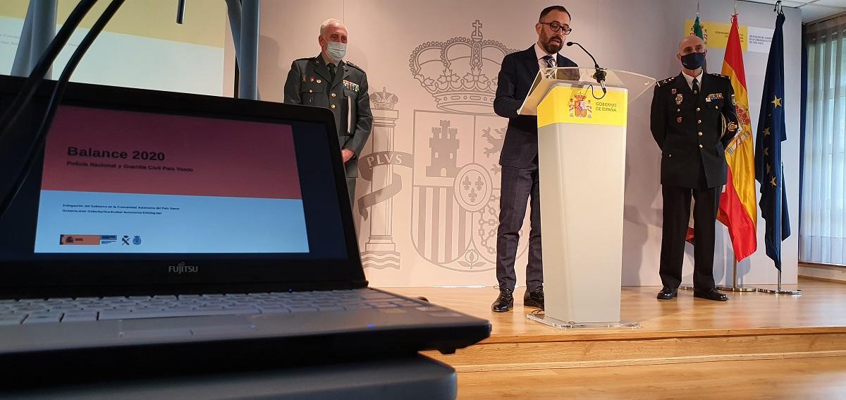 El delegado de Gobierno Denis Itxaso dando a conocer el   balance. Foto: Delegación de Gobierno
