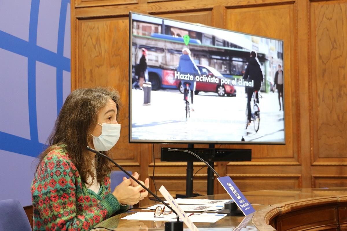 La concejala Marisol Garmendia dando a conocer el portal de consumo de energía. Foto: Ayto.