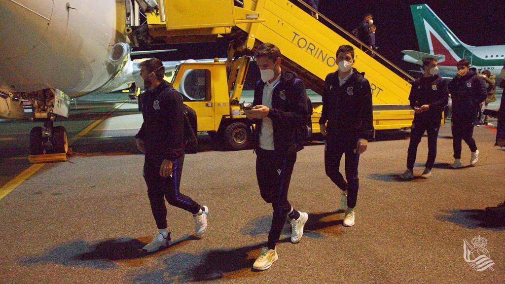 Los jugadores llegan a Turín. Foto: Real Sociedad