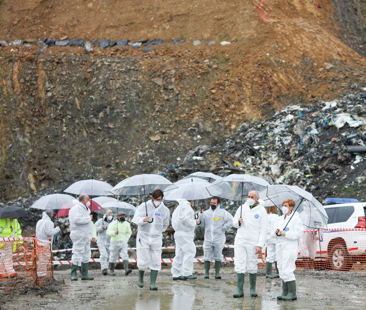 Visita oficial al vertedero de Zaldibar. Foto: Gobierno vasco