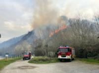 incendioMonteSanMarcial Incendio en Gipuzkoa: Cien hectáreas quemadas y 40 caseríos desalojados en las primeras horas