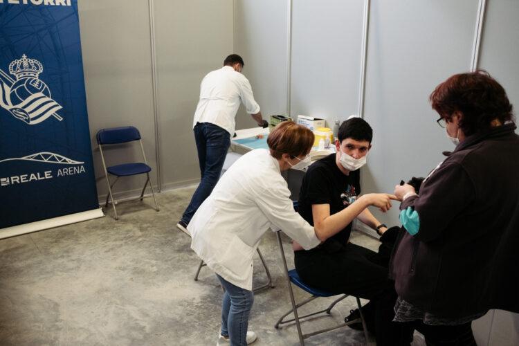 Imagen de archivo. Vacunación en Anoeta. Foto: Santiago Farizano
