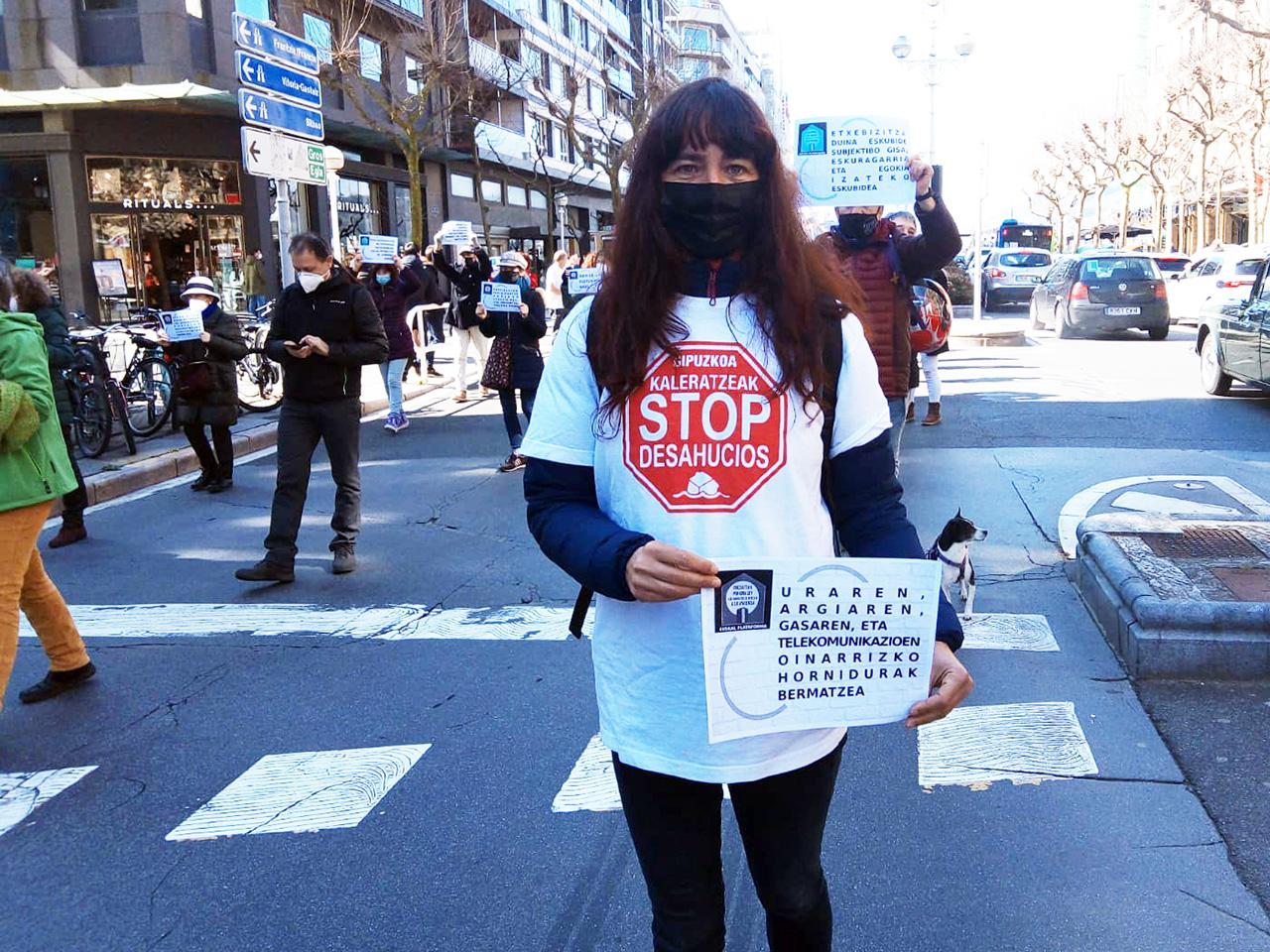 StopDesahucios - Donostia también se manifiesta por el derecho a la vivienda