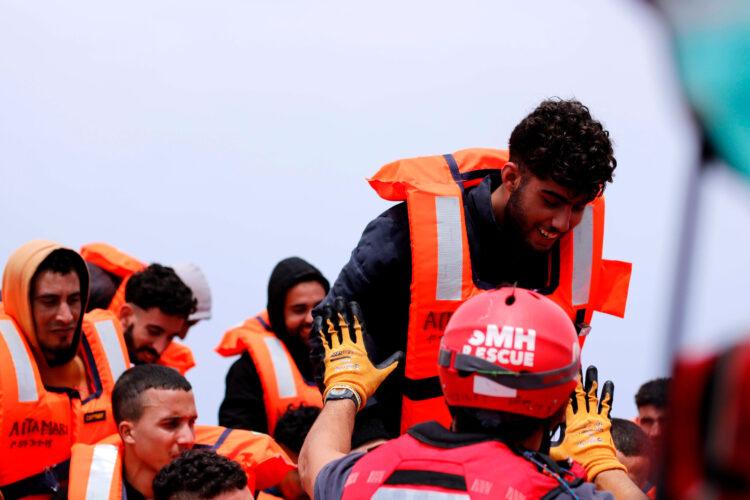 Rescate de 50 personas por parte del Aita Mari. Foto: Antonio Trives