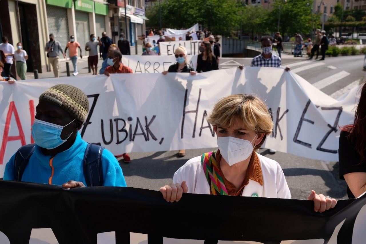 2021 0529 16213900 copy 1280x853 - Irun-Hendaya: Multitudinaria manifestación por los derechos de los migrantes