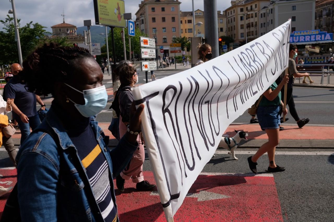 2021 0529 16251800 copy 1280x853 - Irun-Hendaya: Multitudinaria manifestación por los derechos de los migrantes
