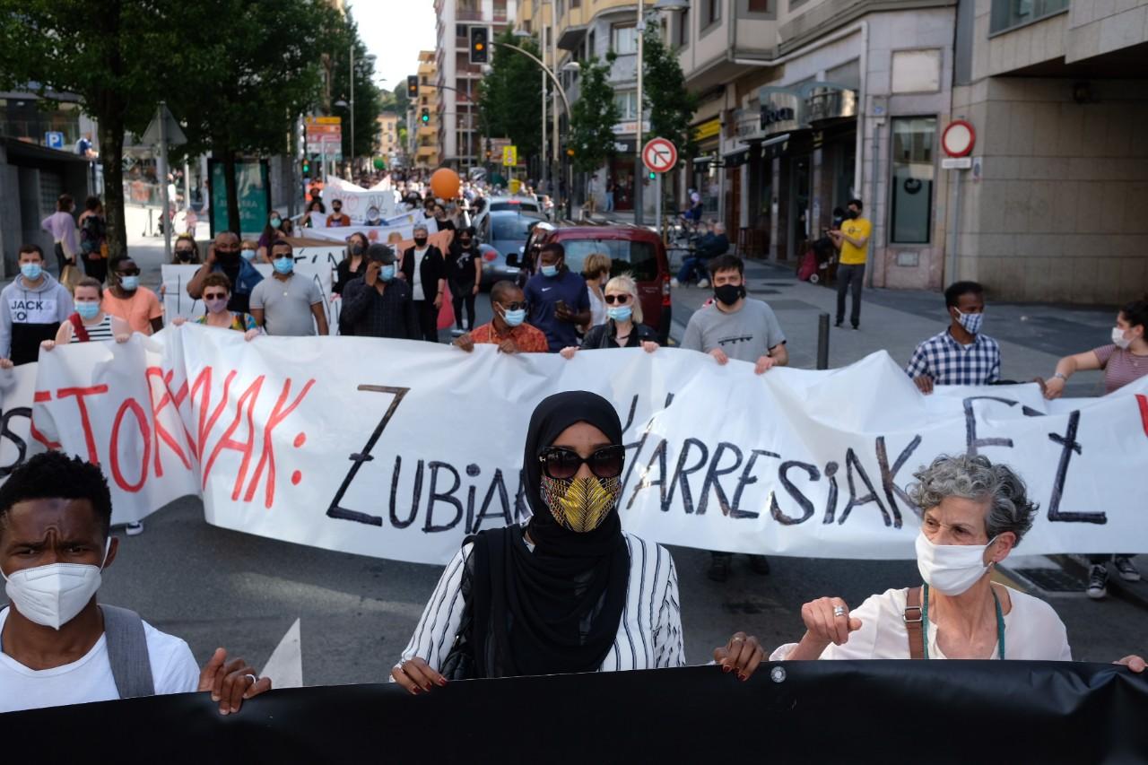 2021 0529 16295000 copy 1280x853 - Irun-Hendaya: Multitudinaria manifestación por los derechos de los migrantes