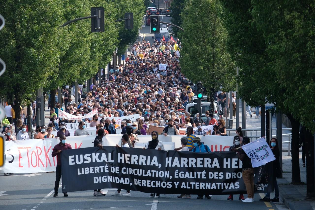 2021 0529 16473700 copy 1280x853 - Irun-Hendaya: Multitudinaria manifestación por los derechos de los migrantes